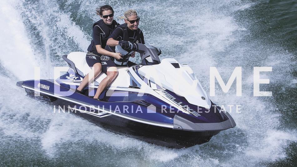 2016-Yamaha-VX-Deluxe-EU-Waikiki-Blue-Action-001