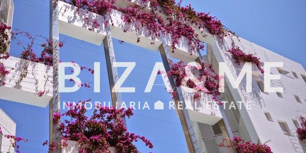 9 Patio Blanco Ibiza
