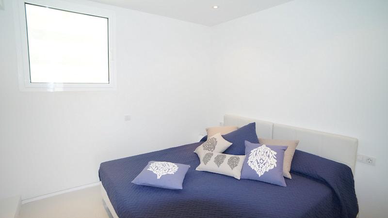 Habitación 1 - Patio Blanco - Marina Botafoch copia