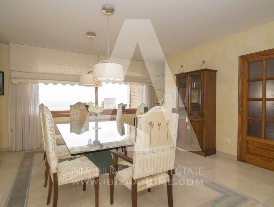 RESIZ_Can-LLuis-5-bedroom-House-for-Sale-in-Ibiza-15-886x670