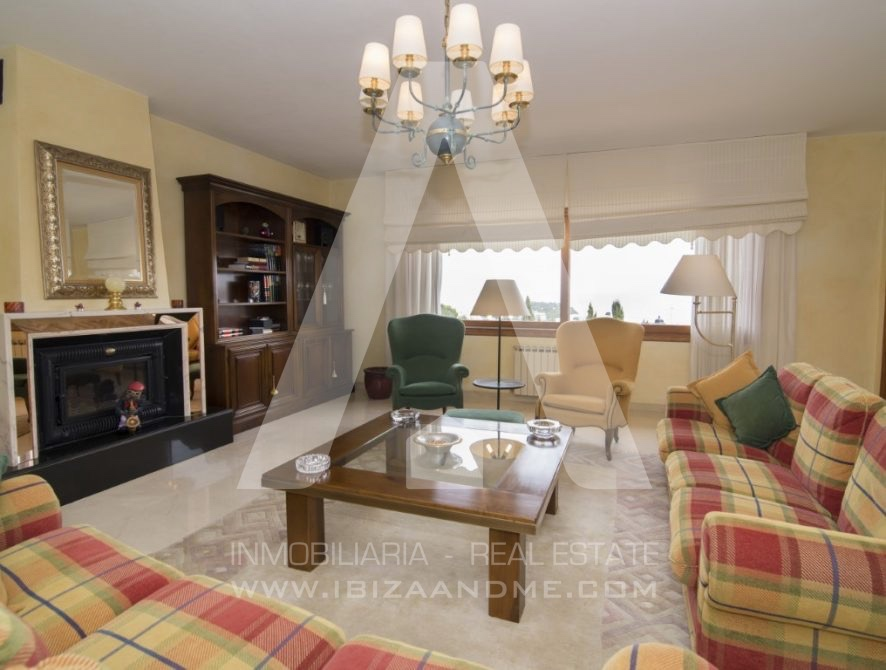RESIZ_Can-LLuis-5-bedroom-House-for-Sale-in-Ibiza-16-886x670