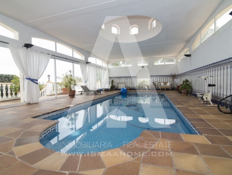 RESIZ_Can-LLuis-5-bedroom-House-for-Sale-in-Ibiza-29-886x670