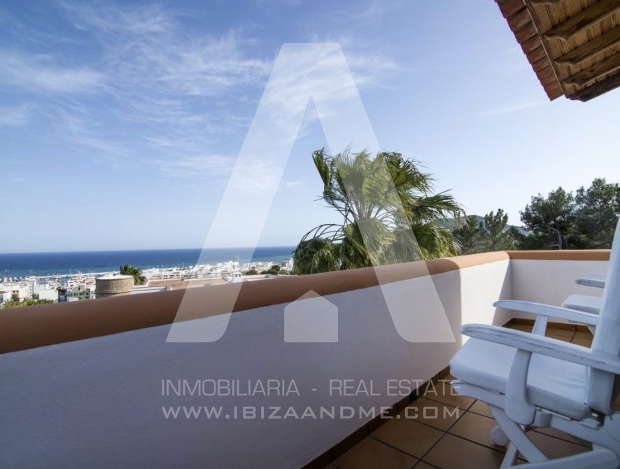 RESIZ_Can-LLuis-5-bedroom-House-for-Sale-in-Ibiza-4-886x670