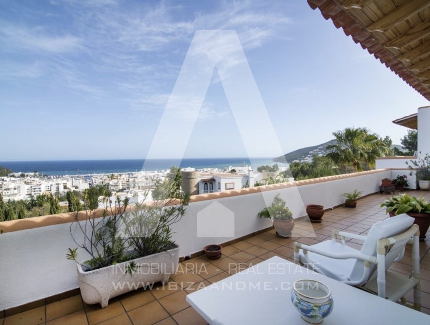 RESIZ_Can-LLuis-5-bedroom-House-for-Sale-in-Ibiza-5-886x670