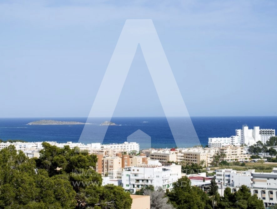 RESIZ_Can-LLuis-5-bedroom-House-for-Sale-in-Ibiza-7-886x670