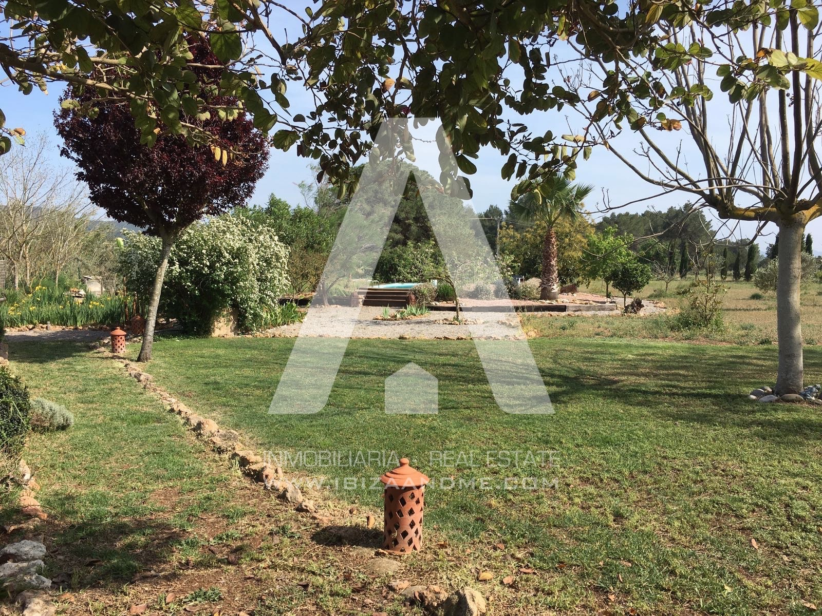 agua_30.View to the garden_2