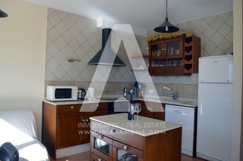 agua_casa-sant-llorenç-cocina