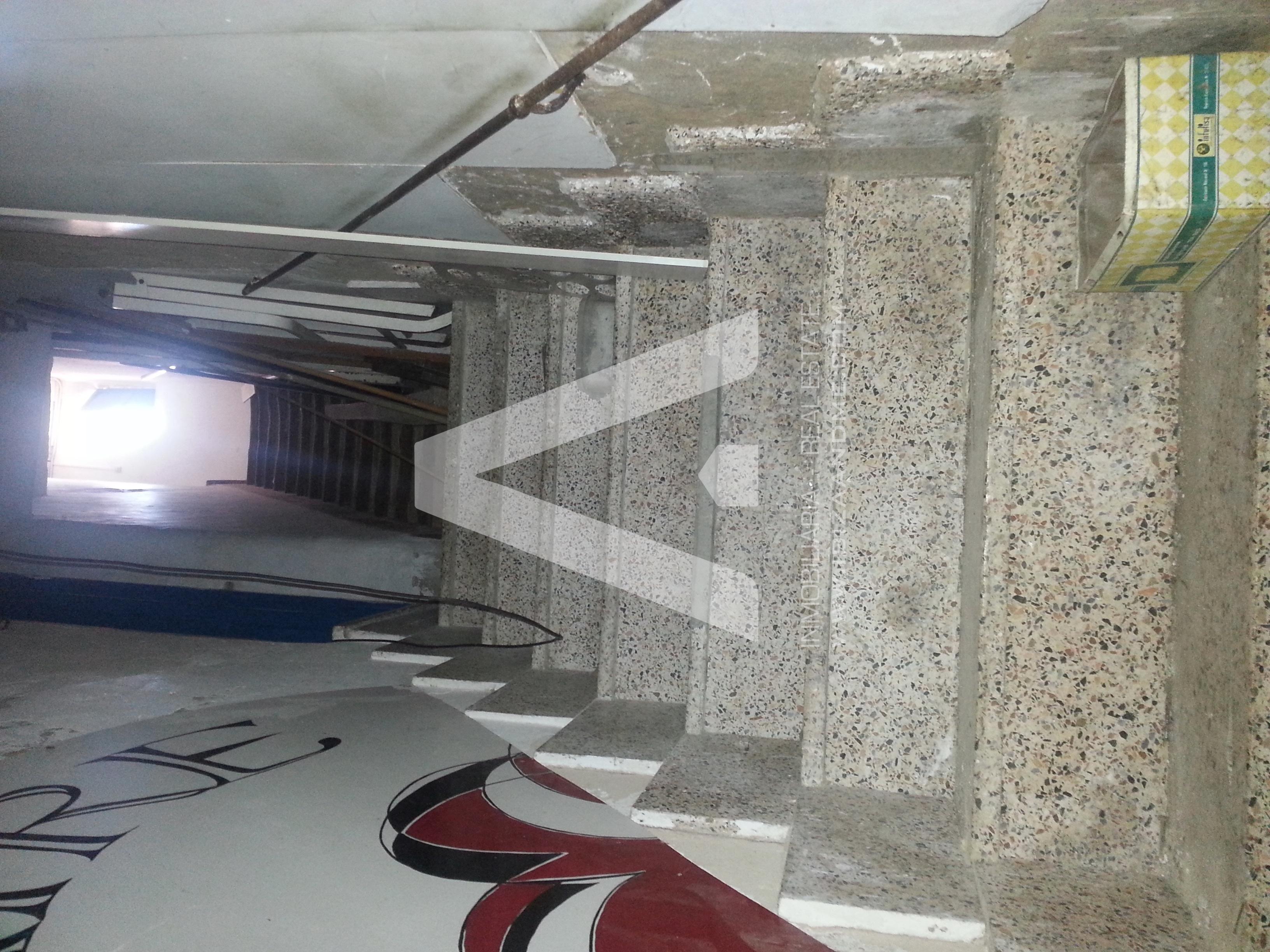 agua_escalera acceso