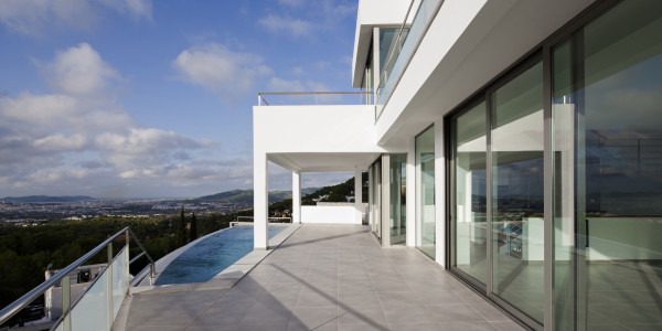 Ibiza's homes and gardens. Architects Ríos & Casariego.